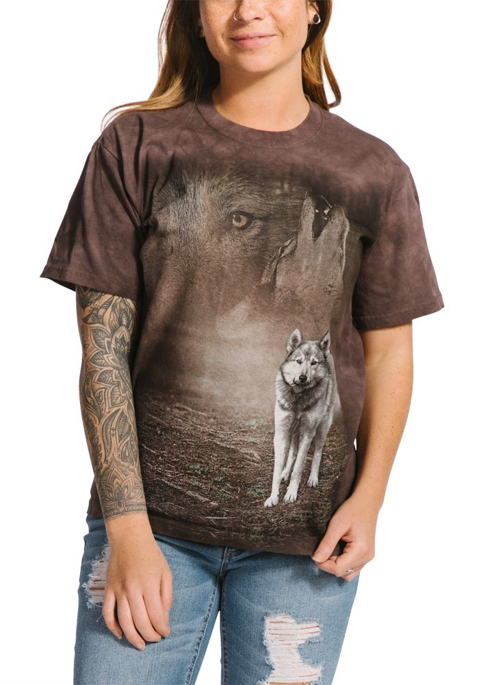 Grey Wolf Portrait - Adult Wolf T-shirt - The Mountain®
