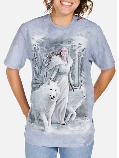 Winter Guardians T-shirt - Adult Wolf T-shirt - The Mountain®